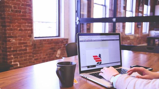 Interventi in aree per fiere e convegni quando è ammesso il credito d'imposta per l'adeguamento degli ambienti di lavoro